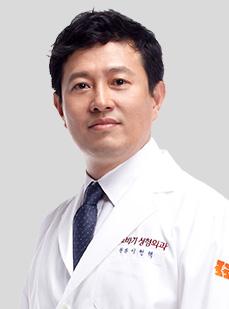 DR. イ・ヒョンテク院長