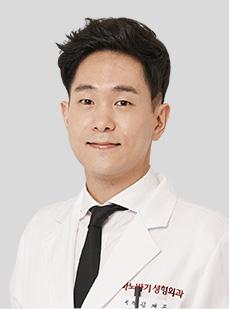 DR. キム・ジェゴン