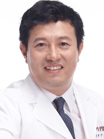 DR.イ・ヒョンテク院長