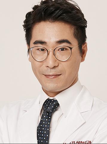 Dr.パク・シンギ美容外科専門医