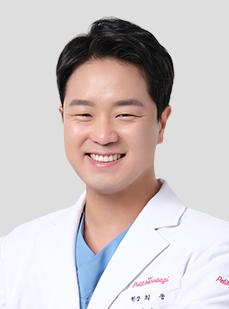 DR. チェ・ウン